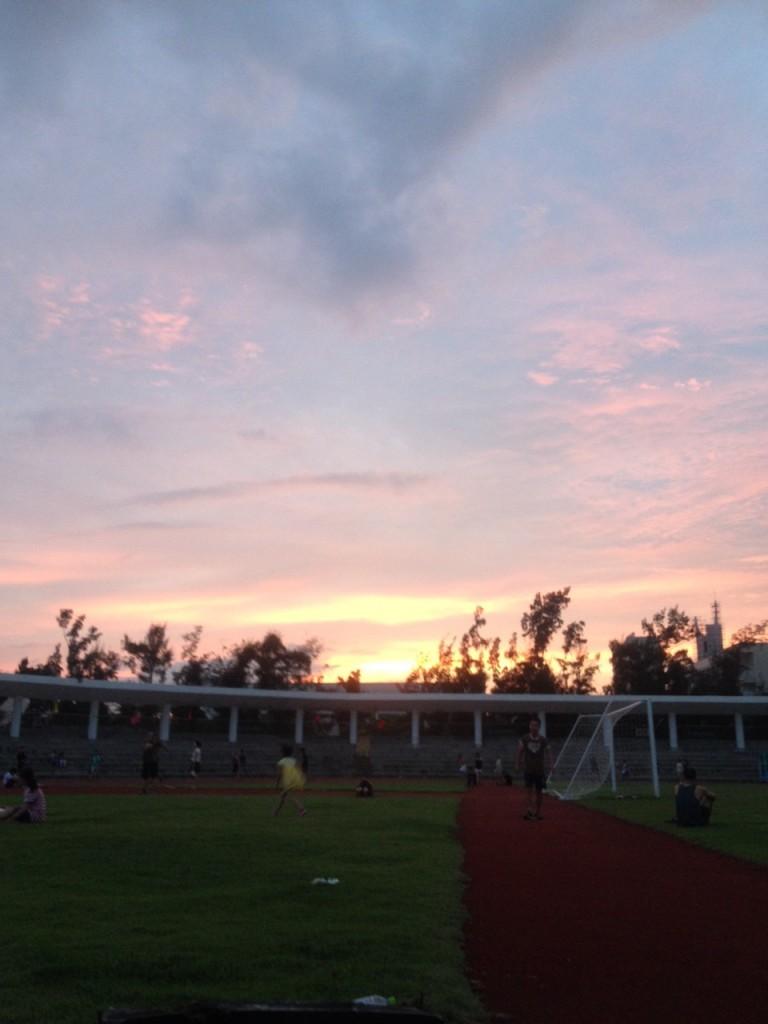 Закат на стадионе. Типичный.